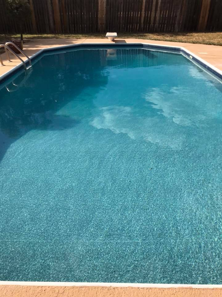 Keeping your swimming pool this crystal clear requires regular maintenance and attention. We have the knowledge and passion to keep your swimming pool in a beautiful state all winter long!